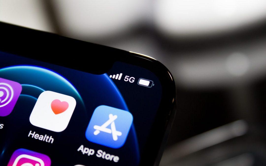 Las apps preinstaladas de Apple y Google dominan sus plataformas móviles